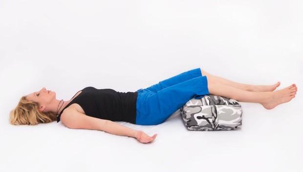Mỗi ngày bỏ ra 7 phút, chẳng sợ stress với các động tác yoga này - Ảnh 6.