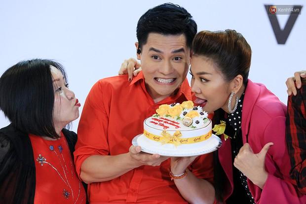 Khoảnh khắc lịch sử: Minh Hằng mừng sinh nhật cùng Võ Hoàng Yến! - Ảnh 6.