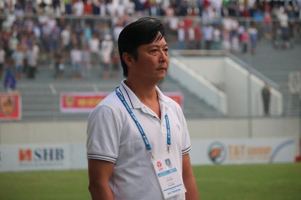 BLV Quang Huy: Viết tự truyện phản cảm, Công Vinh khó có cửa quay lại bóng đá - Ảnh 2.
