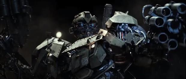 Người máy biến hình hóa phim ngôn tình ngay trailer Bumblebee - Ảnh 4.