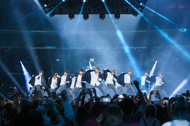 Từ WANNA ONE, I.O.I, JBJ mới thấy những nhóm nhạc ngắn hạn thành công như thế nào ở Kpop - Ảnh 2.