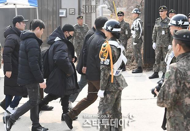 Ngọt ngào như Taeyang: Nhân dịp được nghỉ, tranh thủ đưa ngay vợ đẹp Min Hyo Rin đi hẹn hò tình tứ - Ảnh 7.