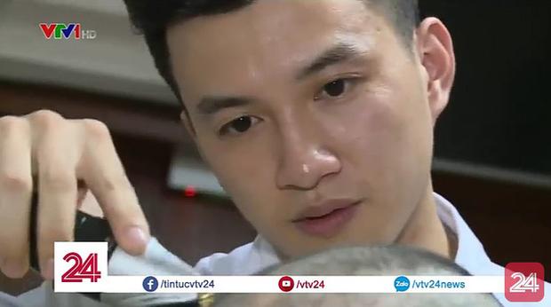 Hội mê trai đẹp náo loạn với anh chàng điều dưỡng điển trai trong chương trình thời sự VTV - Ảnh 3.