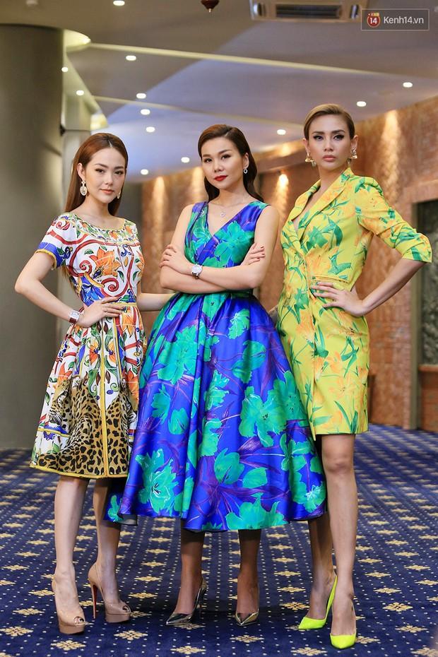 Bộ 3 HLV The Face Vietnam rực rỡ hoa lá trong ngày ghi hình thứ 4 - Ảnh 14.