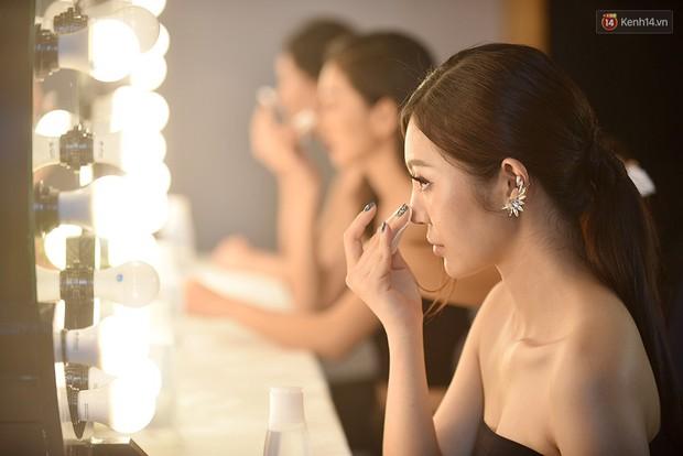 The Face Vietnam: Thí sinh lộ da mụn, quầng thâm trong phần thi mặt mộc - Ảnh 1.