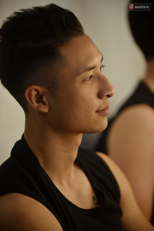 The Face Vietnam: Thí sinh lộ da mụn, quầng thâm trong phần thi mặt mộc - Ảnh 3.