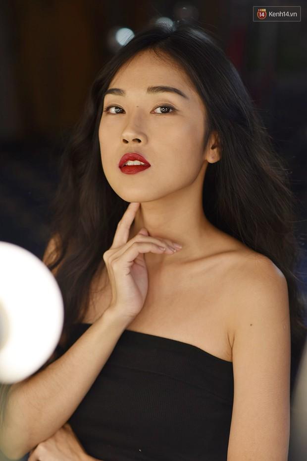The Face Vietnam: Thí sinh lộ da mụn, quầng thâm trong phần thi mặt mộc - Ảnh 8.