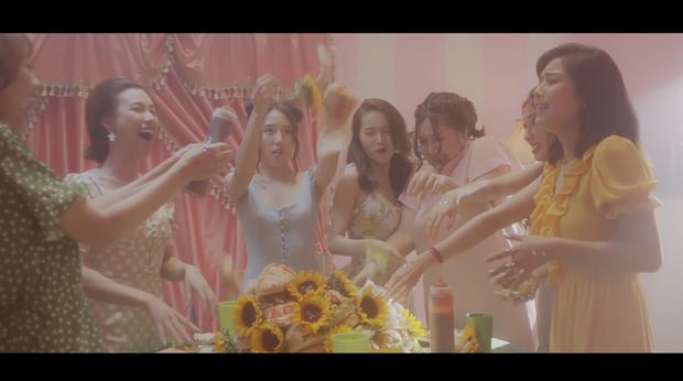 Hoàng Yến Chibi mời lại dàn diễn viên Tháng năm rực rỡ tham gia vào MV mới - Ảnh 4.