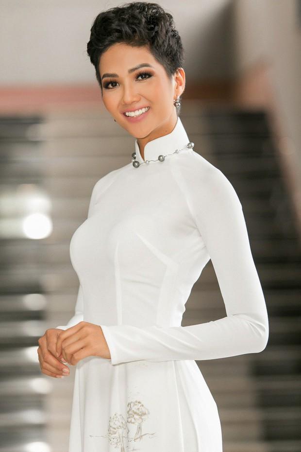 Chỉ trung thành với tóc tém nhưng Hoa hậu HHen Niê vẫn biến tấu đủ kiểu thú vị - Ảnh 12.