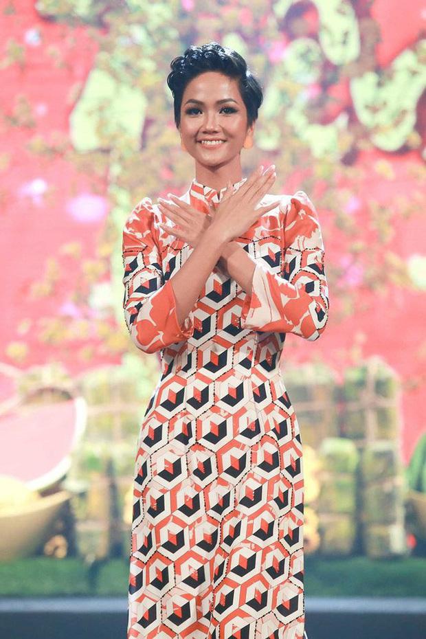 Chỉ trung thành với tóc tém nhưng Hoa hậu HHen Niê vẫn biến tấu đủ kiểu thú vị - Ảnh 13.