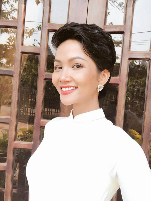 Chỉ trung thành với tóc tém nhưng Hoa hậu HHen Niê vẫn biến tấu đủ kiểu thú vị - Ảnh 14.
