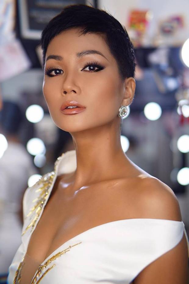 Chỉ trung thành với tóc tém nhưng Hoa hậu HHen Niê vẫn biến tấu đủ kiểu thú vị - Ảnh 7.
