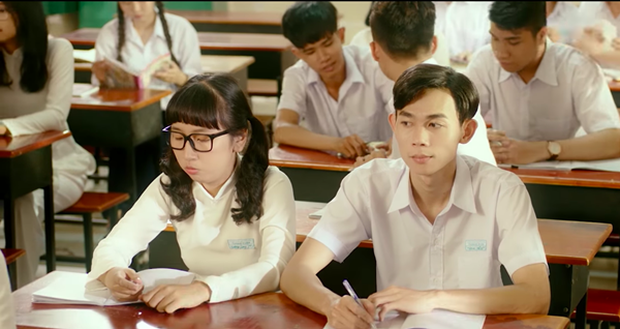Không phải Mai Tài Phến và các vệ tinh, cặp đôi đáng yêu nhất trong Em Gái Mưa chính là Trang Hý và Hồng Thanh! - Ảnh 1.