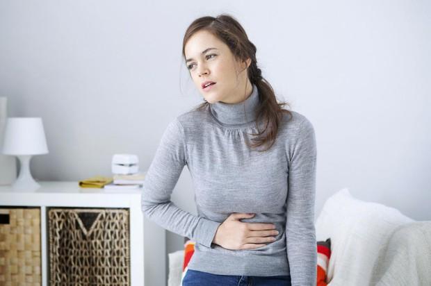 Thường xuyên mặc đồ bó sát rất dễ khiến bạn gặp phải những vấn đề sức khỏe này - Ảnh 3.