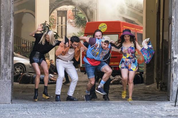 Phim truyền hình từng gây sốt Sense8 khép lại bữa tiệc khoái lạc của 8 con người dị biệt - Ảnh 5.