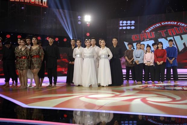 Đánh võ trên nền hit Lạc trôi (Sơn Tùng M-TP), nhóm thí sinh giành luôn vị trí đầu bảng - Ảnh 8.