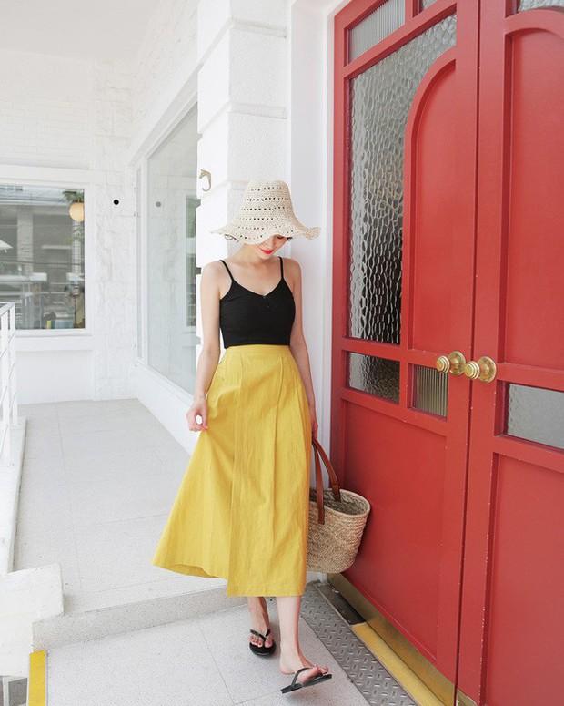 Combo áo hai dây + chân váy midi: vừa xinh vừa điệu, lại siêu mát để nàng tha hồ dạo phố cuối tuần - Ảnh 12.