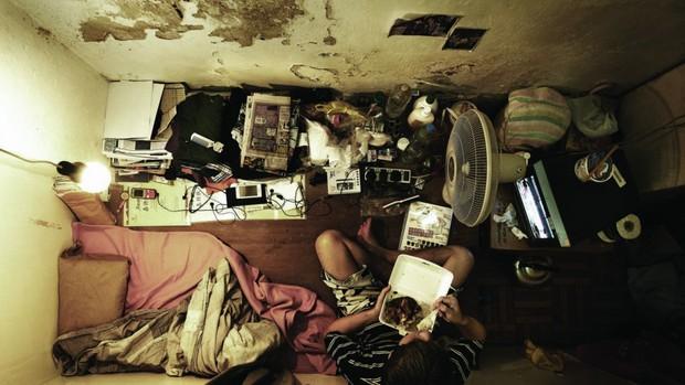 Câu chuyện về những người qua đêm tại McDonald Hồng Kông: Khi chốn công cộng trở thành nhà - Ảnh 3.