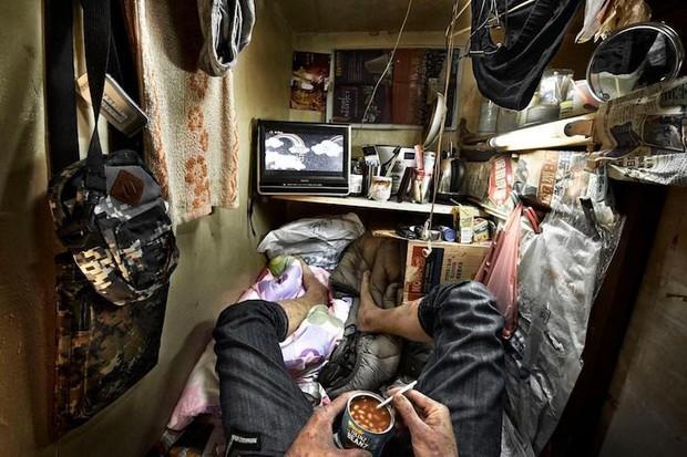 Câu chuyện về những người qua đêm tại McDonald Hồng Kông: Khi chốn công cộng trở thành nhà - Ảnh 5.