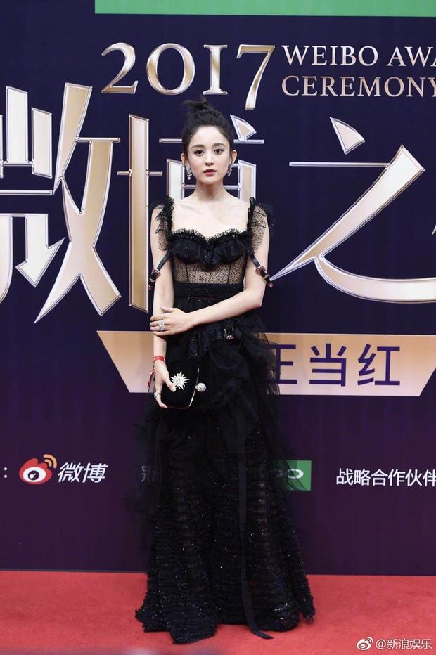 Không phải Angela Baby hay Dương Mịch, đây mới là mỹ nhân khiến netizen xao xuyến nhiều ngày qua - Ảnh 2.