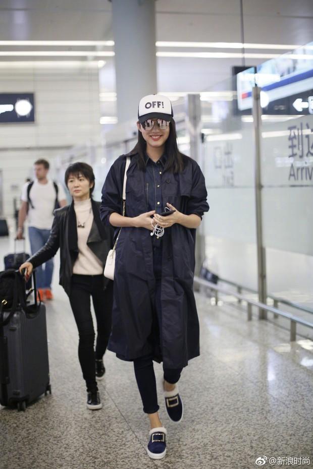 Hoa hậu Thế giới kiêm mẹ bỉm sữa Trương Tử Lâm khoe nhan sắc rạng rỡ ở tuổi 33 - Ảnh 4.