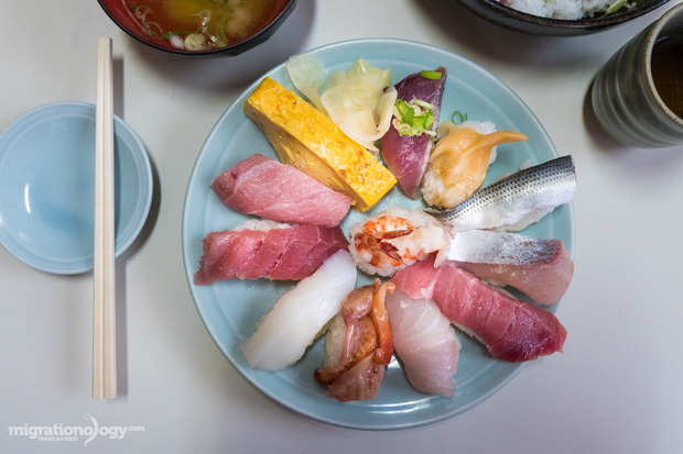 8 món đặc sản nên thử qua khi đến chợ cá Tsukiji nổi tiếng ở Nhật Bản - Ảnh 9.