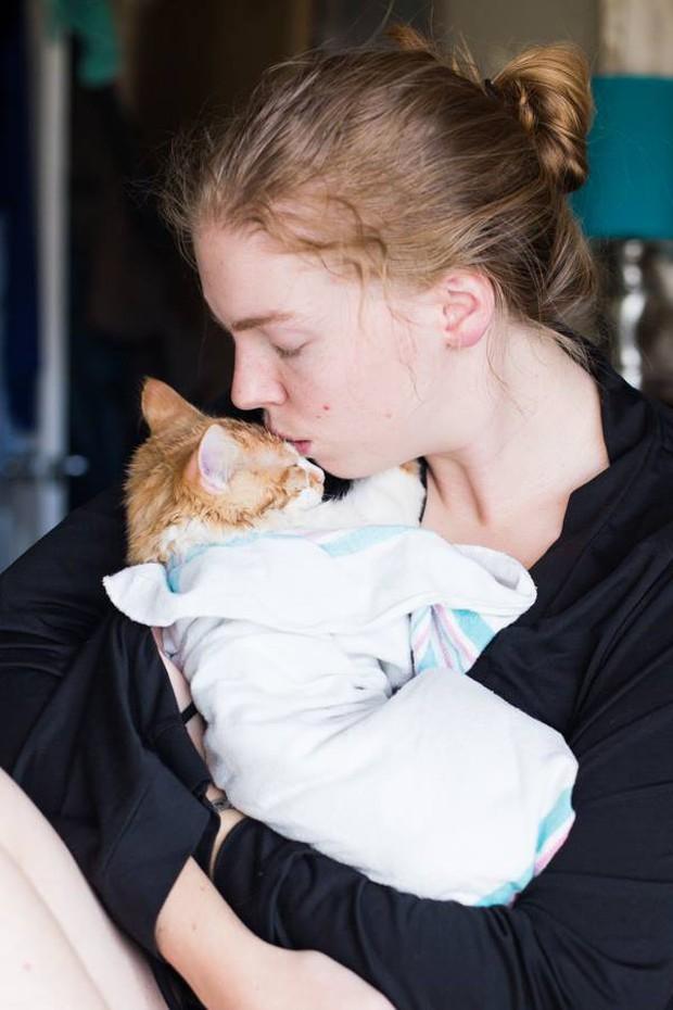 Cặp vợ chồng trẻ gây bão mạng xã hội vì bộ ảnh hạ sinh ra mèo - Ảnh 16.