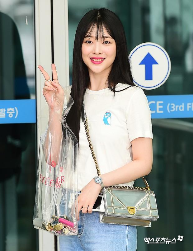 2 mỹ nhân SM đụng độ ở sân bay: Taeyeon hack tuổi khó tin, Sulli béo nhưng sao vẫn xinh thế này? - Ảnh 10.