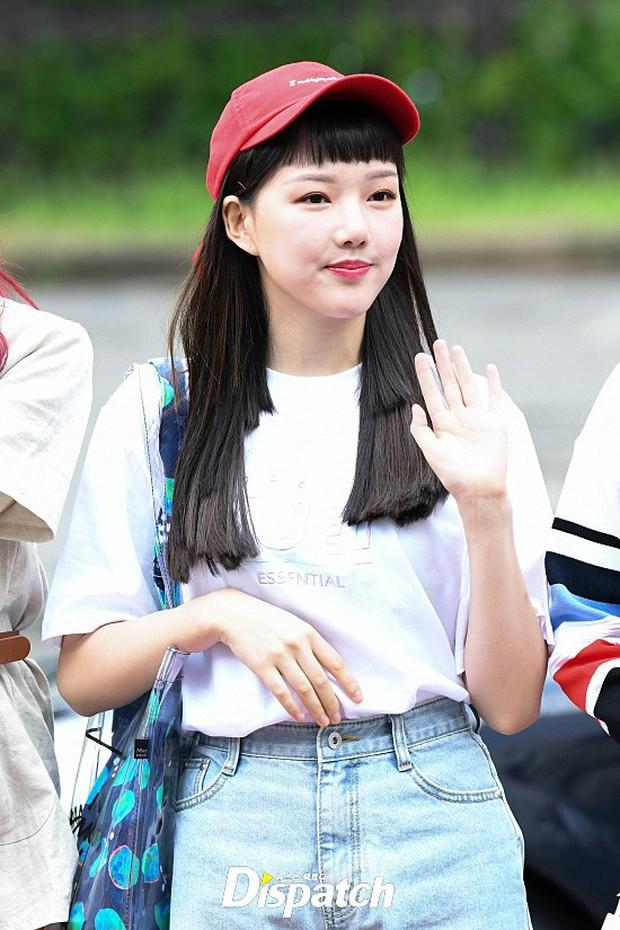 Quân đoàn trai xinh gái đẹp Kpop cùng đổ bộ: 2 nữ thần Red Velvet đọ với dàn nữ tân binh nhà Cube, G-Friend lép vế - Ảnh 16.