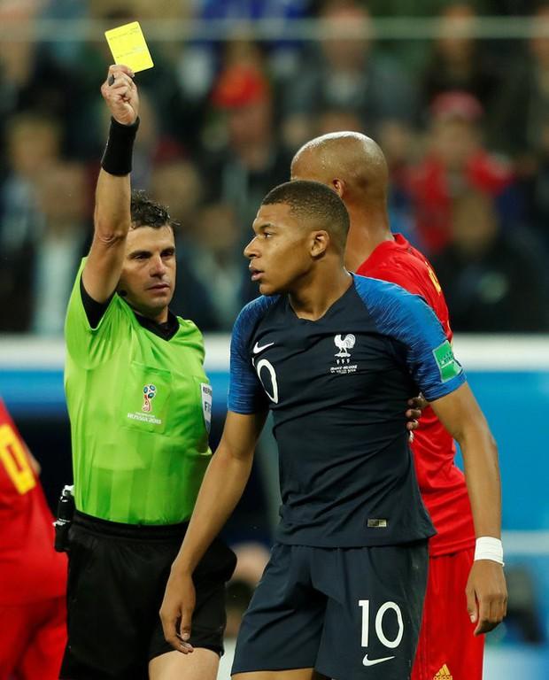 Mbappe lại lăn lộn ăn vạ giống Neymar trong trận Pháp - Bỉ - Ảnh 7.