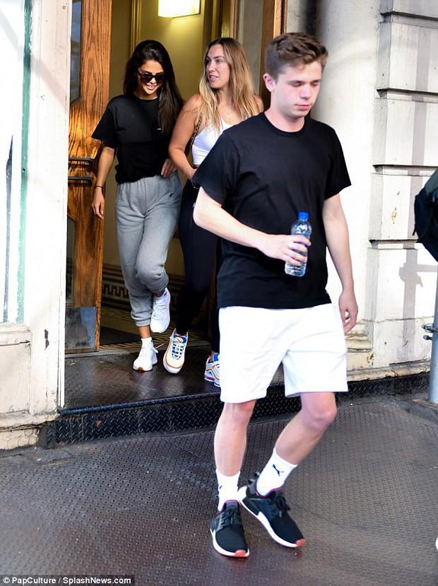 Selena Gomez có chúc mừng Justin Bieber đính hôn với Hailey không? - Ảnh 3.