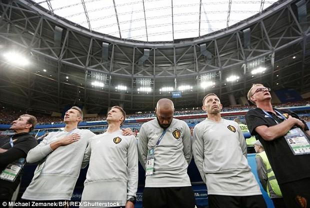 Thierry Henry buồn bã, động viên Hazard đứng dậy sau thất bại - Ảnh 3.