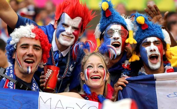 HLV Pháp Deschamps đưa tuyển Pháp vào chung kết World Cup 2018 - Ảnh 1.
