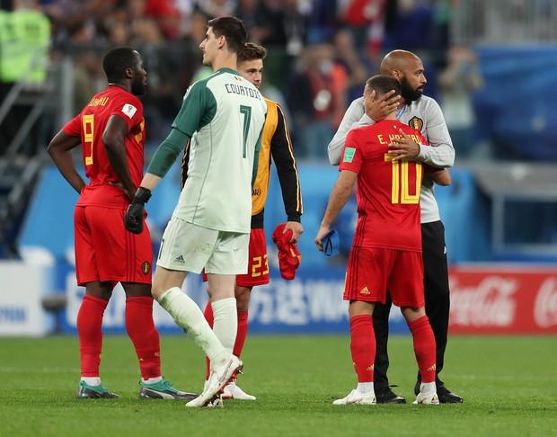 Thierry Henry buồn bã, động viên Hazard đứng dậy sau thất bại - Ảnh 9.