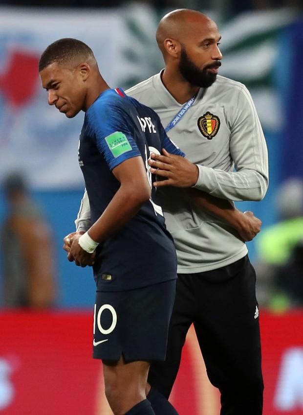 Mbappe lại lăn lộn ăn vạ giống Neymar trong trận Pháp - Bỉ - Ảnh 1.