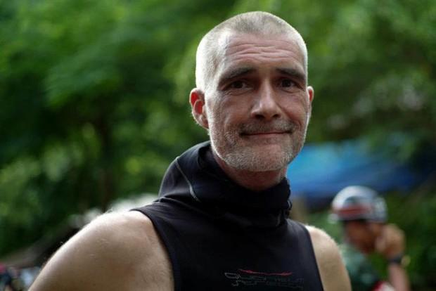 Thợ lặn Đan Mạch khen ngợi sự bình tĩnh đến không thể tin được của các cậu bé đội bóng Thái - Ảnh 1.