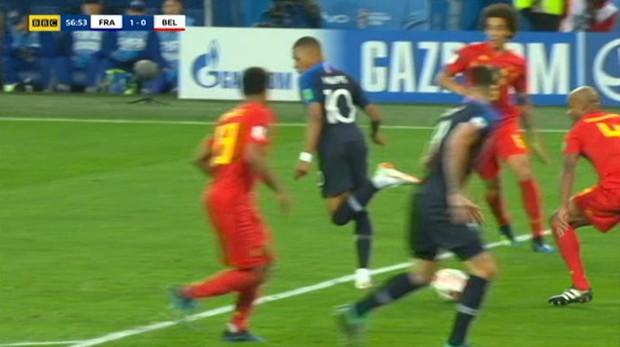 Mbappe chuyền bóng siêu hạng khiến Rio Ferdinand hét lên kinh ngạc - Ảnh 2.