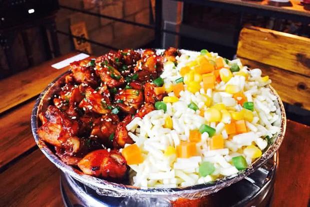 Những món ăn kéo mãi không hết ở Sài Gòn nhờ lớp phô mai béo ngậy khiến con tim tan chảy - Ảnh 10.
