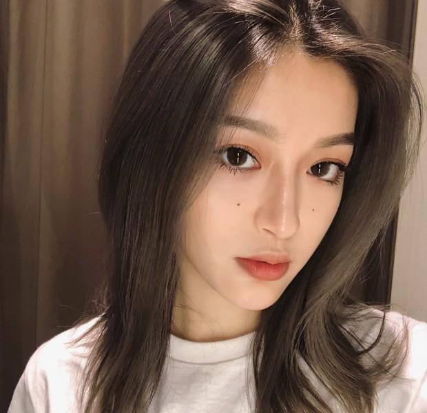 Sở hữu nét đẹp như con lai, cô gái này đang được cư dân mạng Trung Quốc đặc biệt chú ý - Ảnh 3.
