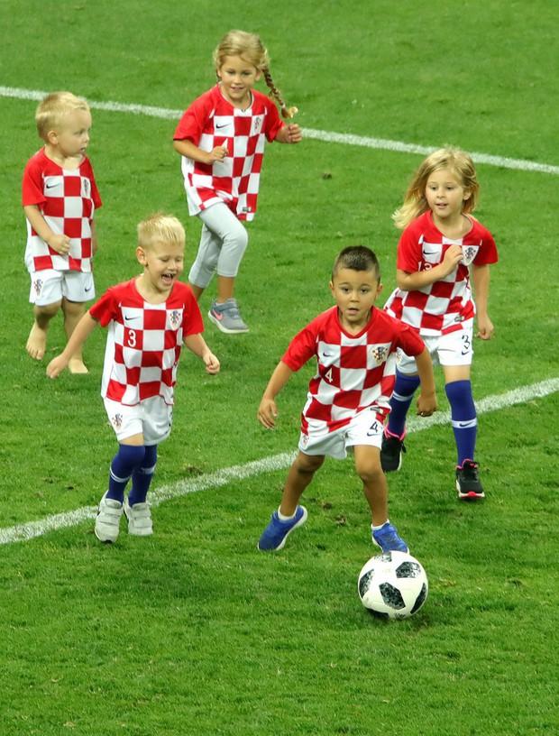 Hãy ngả mũ thán phục đội tuyển Croatia! Góp mặt ở chung kết World Cup 2018 sau 3 trận liên tiếp phải đấu thêm hiệp phụ - Ảnh 7.
