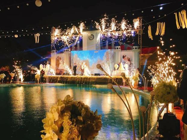 Lễ báo hỉ hoành tráng mời 1.000 khách, nguyên dàn motor đưa dâu, riêng trang trí đã hết 200 triệu ở Buôn Mê Thuột - Ảnh 5.