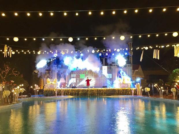 Lễ báo hỉ hoành tráng mời 1.000 khách, nguyên dàn motor đưa dâu, riêng trang trí đã hết 200 triệu ở Buôn Mê Thuột - Ảnh 9.