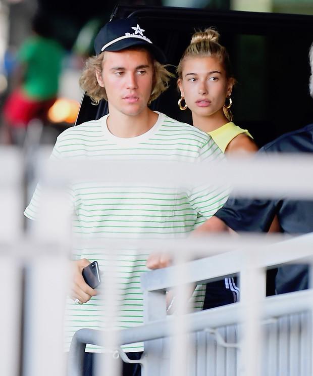 Hé lộ thêm nhiều chi tiết về đám cưới ấm cúng của Justin Bieber và Hailey Baldwin - Ảnh 1.
