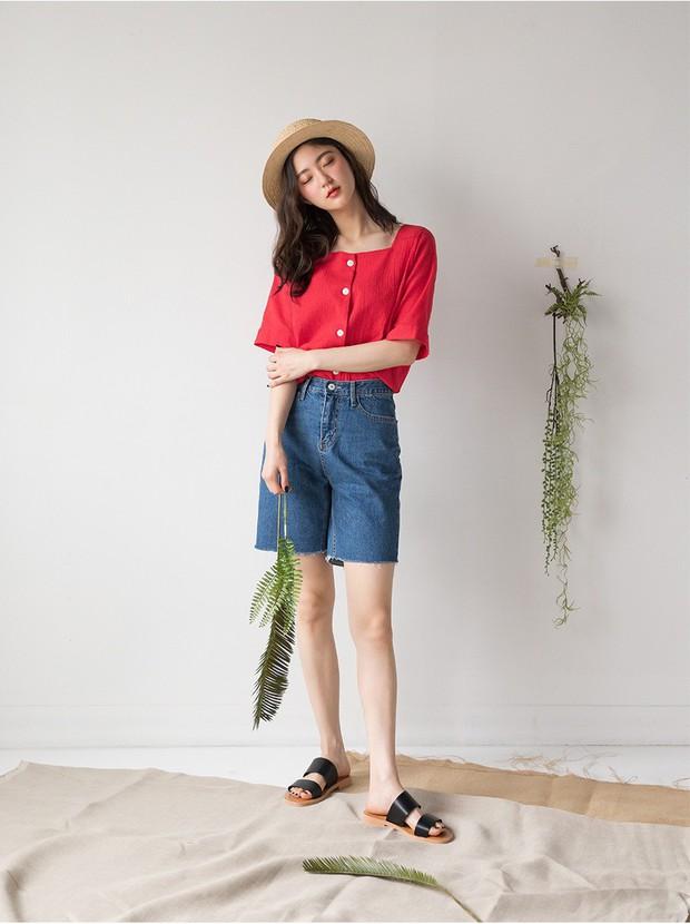 Tạm cất những chiếc shorts ngắn để kết thân với quần shorts dài vì diện lên thoải mái và nữ tính vô cùng - Ảnh 12.
