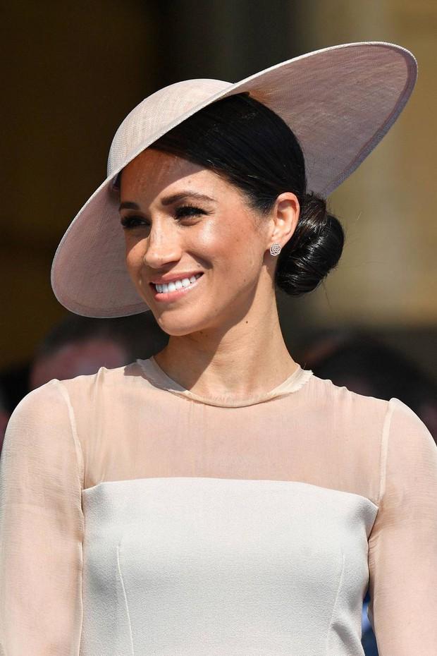 15 kiểu tóc ấn tượng của các người đẹp Hoàng gia: kiểu nào cũng hoàn hảo tựa như một tuyệt phẩm - Ảnh 15.