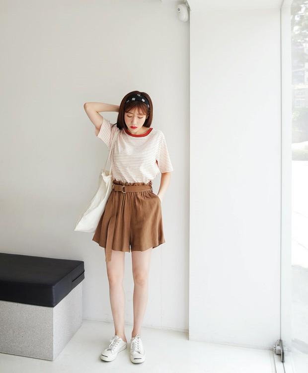 Tạm cất những chiếc shorts ngắn để kết thân với quần shorts dài vì diện lên thoải mái và nữ tính vô cùng - Ảnh 7.