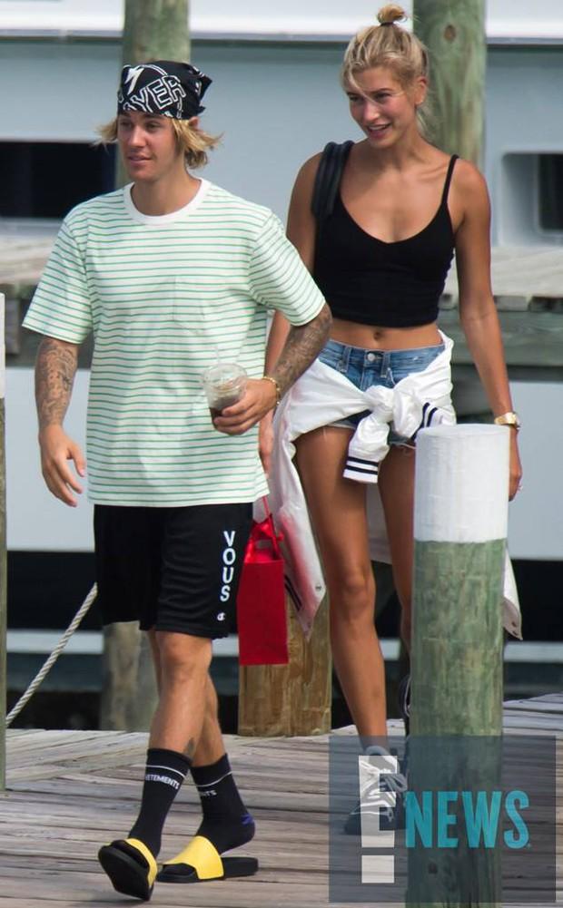 Hé lộ thêm nhiều chi tiết về đám cưới ấm cúng của Justin Bieber và Hailey Baldwin - Ảnh 3.