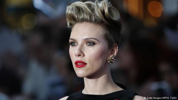 Scarlett Johansson rời bỏ vai diễn chuyển giới sau khi nhận đủ gạch đá từ cộng đồng LGBT - Ảnh 3.