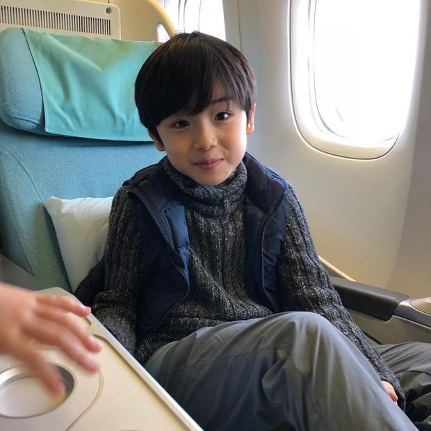 Sao nhí 9 tuổi của Thư ký Kim bỗng thành hiện tượng vì quá điển trai, tài năng: Nam thần tương lai đây rồi! - Ảnh 12.