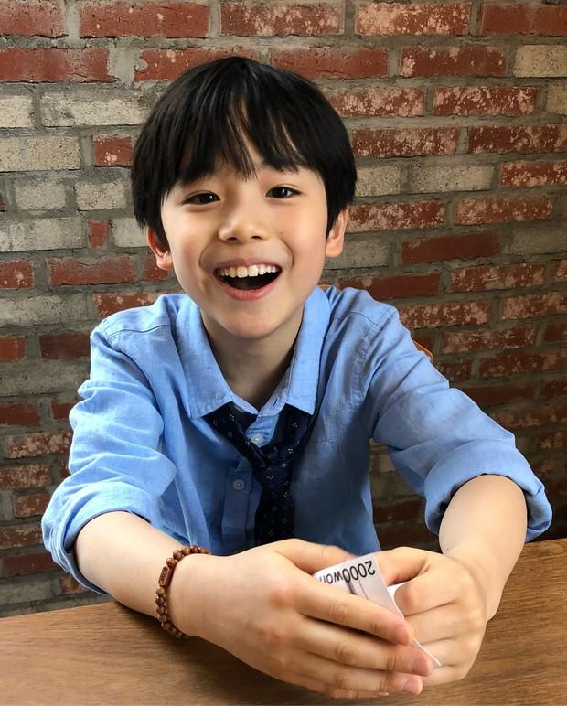 Sao nhí 9 tuổi của Thư ký Kim bỗng thành hiện tượng vì quá điển trai, tài năng: Nam thần tương lai đây rồi! - Ảnh 10.